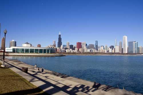 ミシガン湖から見るシカゴ市街地