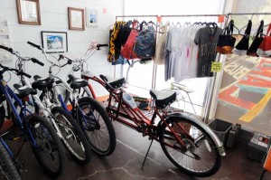 2人乗りの自転車がありました。取材でサマーズも乗ったそうです