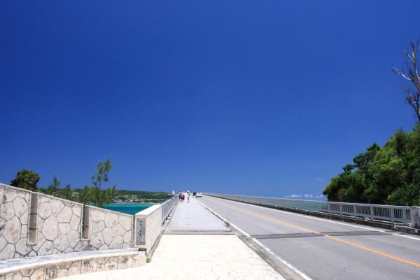 古宇利大橋を歩くスタート地点