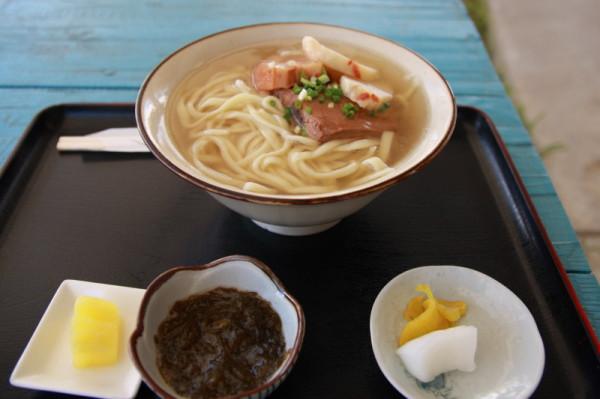 沖縄そば 600円