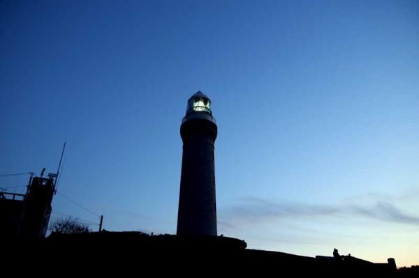 角島灯台の点灯