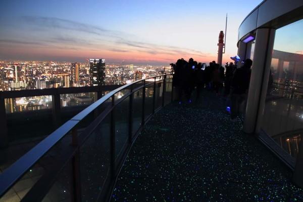 梅田スカイビル 360°パノラマの屋上回廊「スカイ・ウォーク」