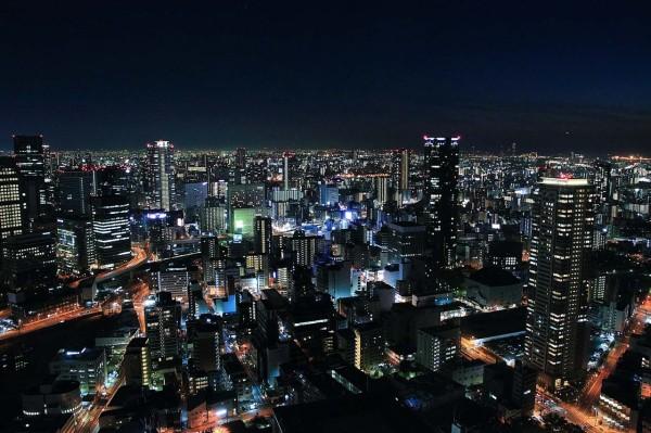 Iスカイビル40階 ガラス窓越しの夜景写真撮影