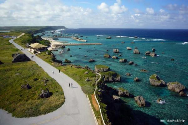 東平安崎灯台から眺める雄大な風景