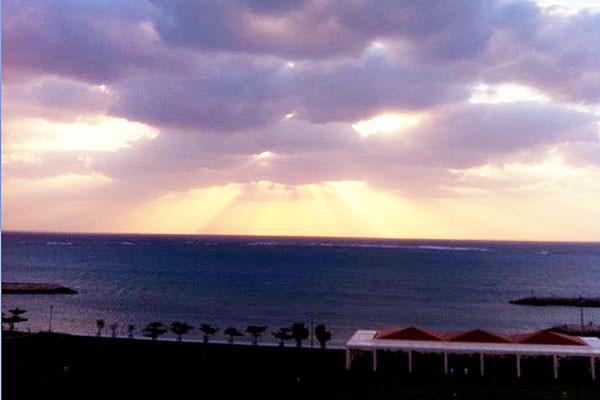 美々ビーチは夕日も美しい
