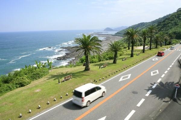 天気の良い日は、日南海岸のドライブは最高ですね