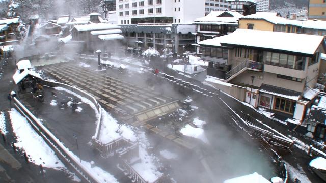 草津温泉 冬の雪景色