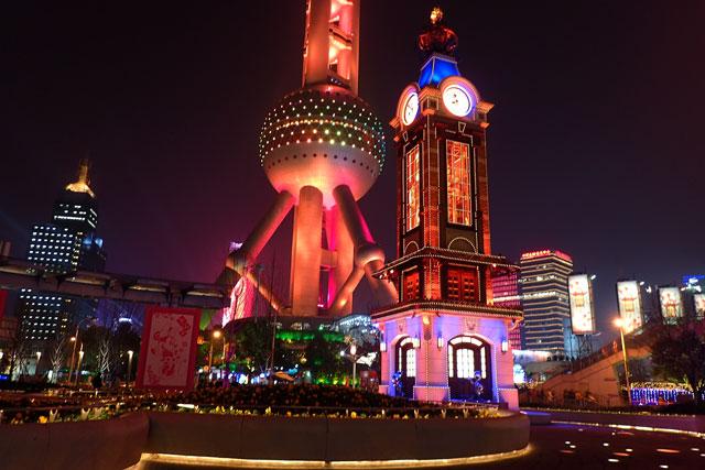 上海のランドマーク「東方明珠塔」