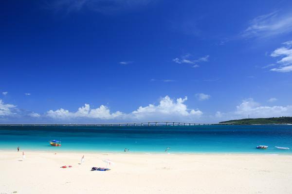 沖縄のマジで綺麗な宮古島の与那覇前浜ビーチの雰囲気