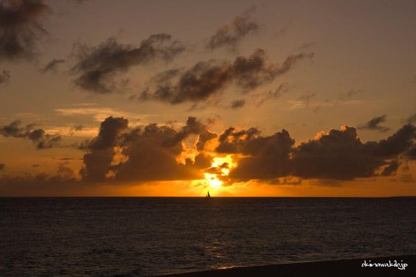 与那覇前浜ビーチの夕日 宮古島の観光スポット