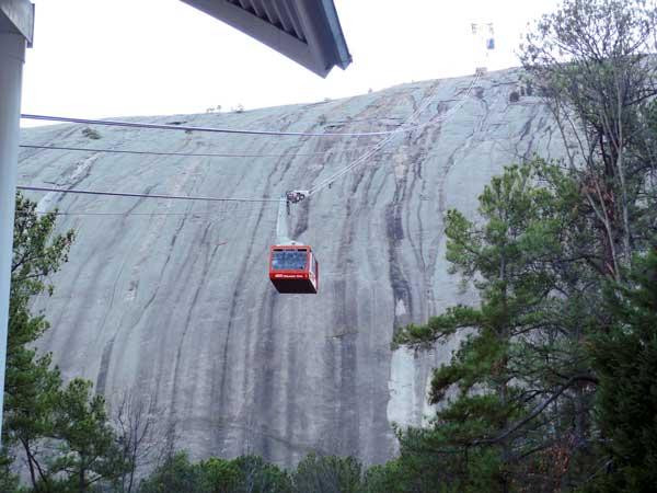 ストーンマウンテン(Stone Mountain) アトランタの観光スポット