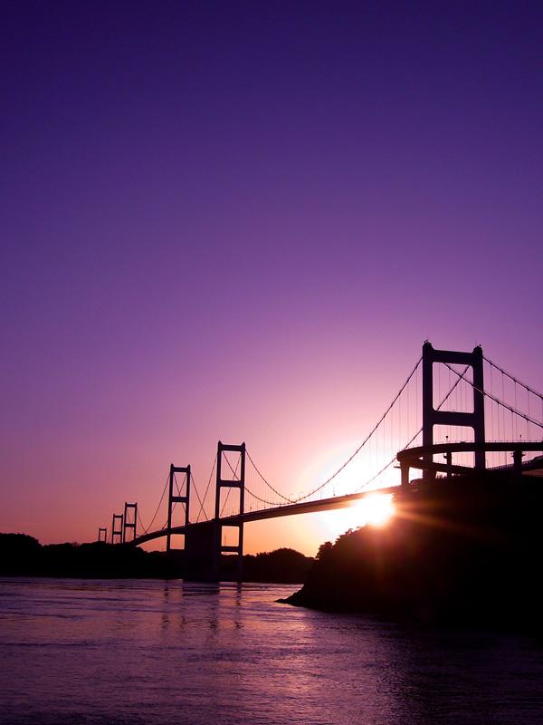 来島海峡大橋の夕暮れ