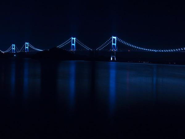来島海峡大橋の夜景